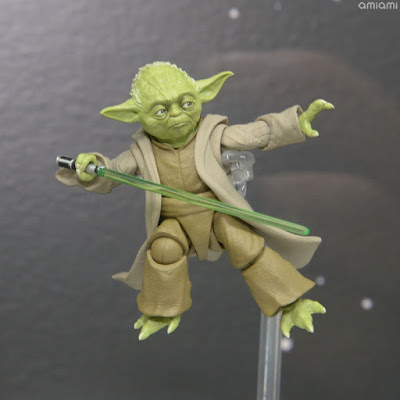"Yoda S.H.Figuarts de ""Star Wars: Revenge of the Sith"""