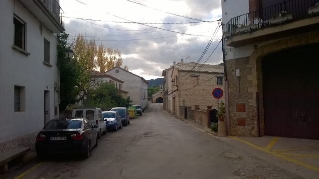 Casa Senill a la derecha, portal de Villanueva detrás. Santa Ana al fondo.