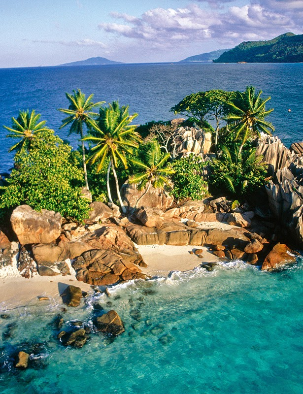SEYCHELLES, INDIAN OCEAN 10 Most Beautiful Island Countries in the World