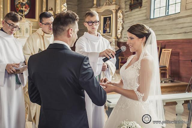 ślub w kościele w Sierakowicach pomorskie