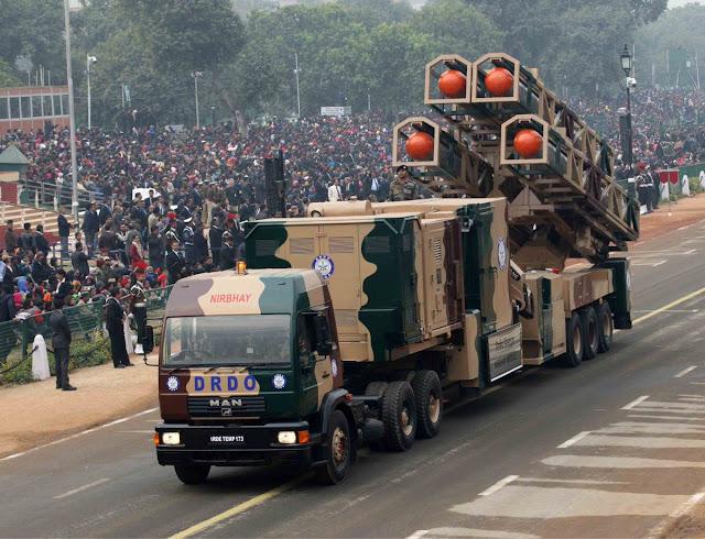 صاروخ الكروز النووي الهندي nirbhay India%25E2%2580%2599s%2B1%252C000-km%2Brange%2BNirbhay%2Bcruise%2Bmissile%2Bsystem%2Bmakes%2Bits%2Bfirst%2Bpublic%2Bappearance%2Bat%2Bthe%2BRepublic%2BDay%2B2