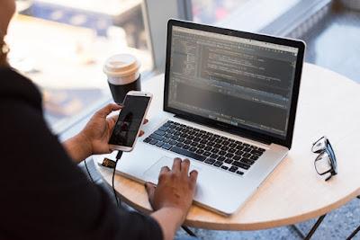 Ce poti face astazi cu o diploma de programator acreditata?