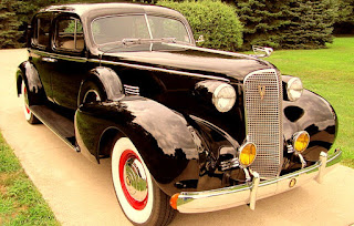 1937 Cadillac Fleetwood Brougham Front Right