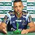 """Estreante em Libertadores, Vitor Hugo aprova arbitragem: """"Chego a madeira"""""""