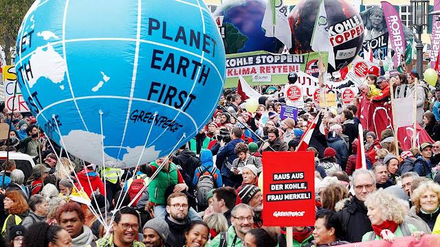 Ativistas profissionais tentaram sem resultado reverter a frustração da COP23 em Bonn. Fanatismo ecolo-comunista não pretende abandonar exigências insensatas.