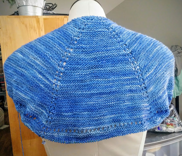 Knitting a semicircular shawl for a cervical cancer patient going through chemo