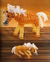 Лошадка объемная из бисера