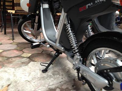 Sơn chân chống nghiêng, chống đứng xe máy