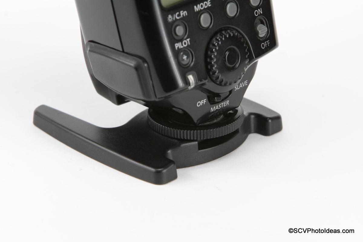 Canon Speedlite 580EX on mini stand
