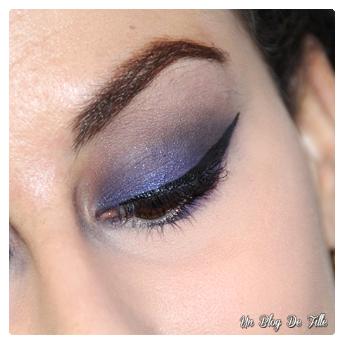 http://unblogdefille.blogspot.fr/2017/01/maquillage-bleu-indigo-jasmine-inspired.html