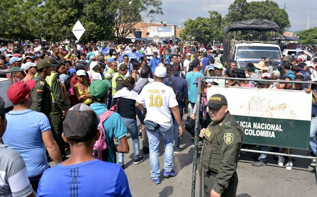 Estados Unidos advierte que migración de venezolanos incide en el proceso de paz de Colombia