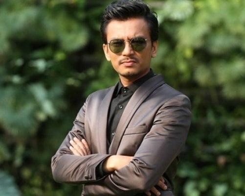 Lirik lagu Bukan Yang Pertama penyanyi Faizal Tahir, gambar faizal tahir, lagu tema drama Isteri Tuan Ihsan - Bukan Yang Pertama nyanyian Faizal Tahir, Original Sound Track OST Isteri Tuan Ihsan