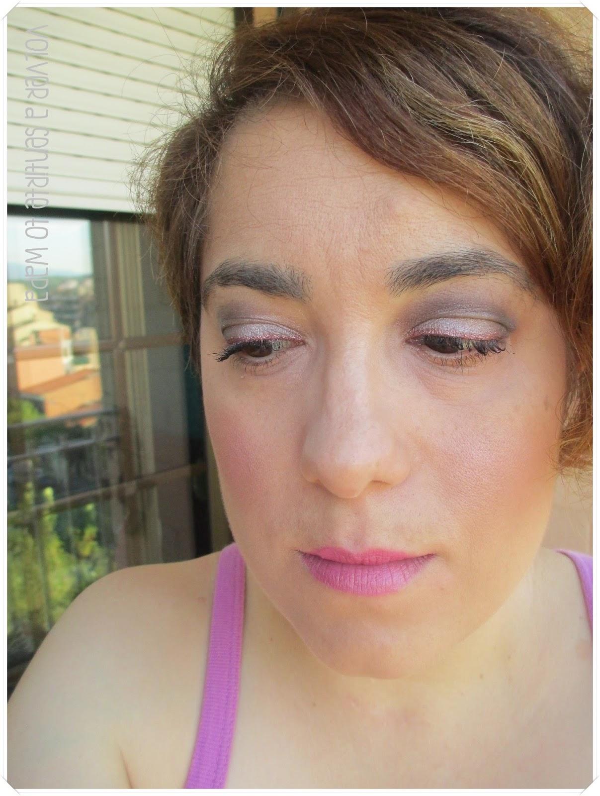 Maquillaje en marrón y rosa - Volver a Sentirte to Wapa