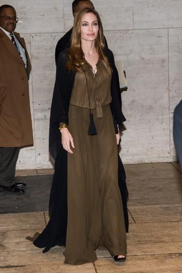 Angelina Jolie en la Cumbre Women in the World, 2013 Vestida de Saint Laurent