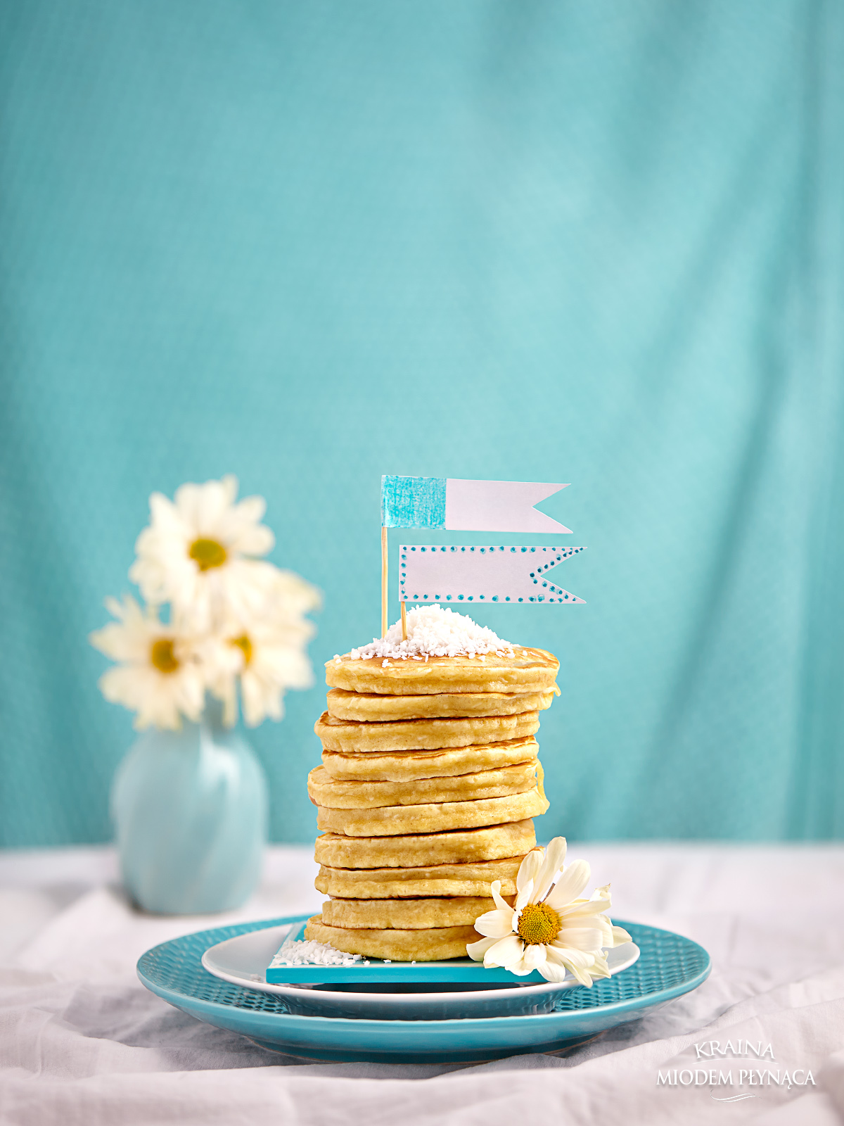 pancakes kokosowe, pancakes na mleku, pancakes z kokosem, pancakes z wiórkami kokosowymi, placki kokosowe, placki na mleku, placki z wiórkami kokosowymi, kraina miodem płynąca