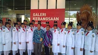 Peserta Paskibraka Sekadau Kunjungai Bogor, Pantau Alam Dan Sejarah Indonesia