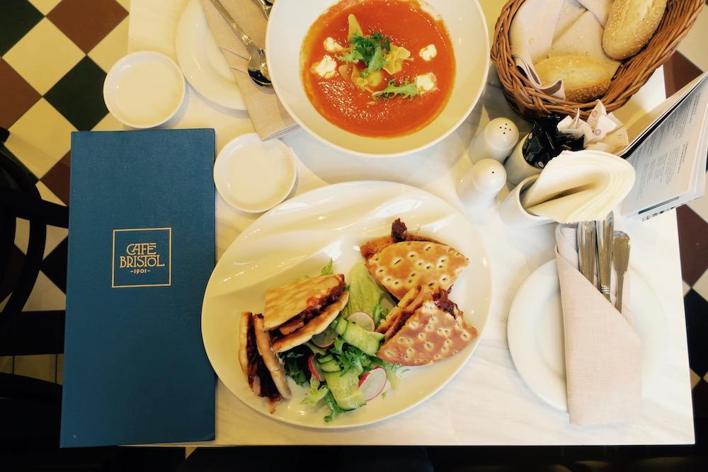 Śniadanie w Warszawie gdzie zjeść, Cafe Bristol,