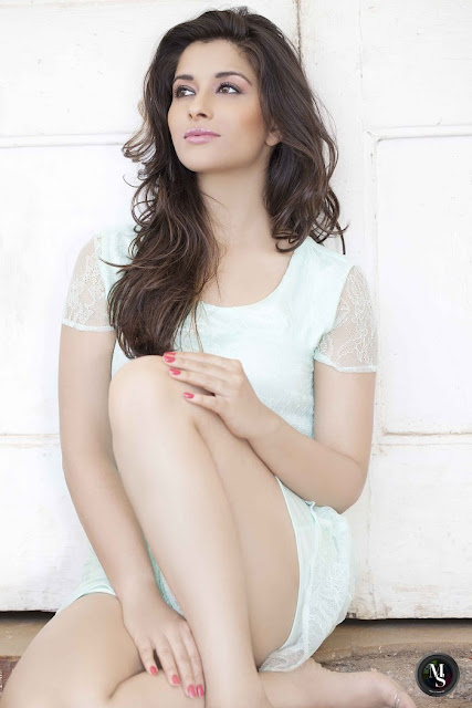 Online Quote: Shapely Actress Madhurima