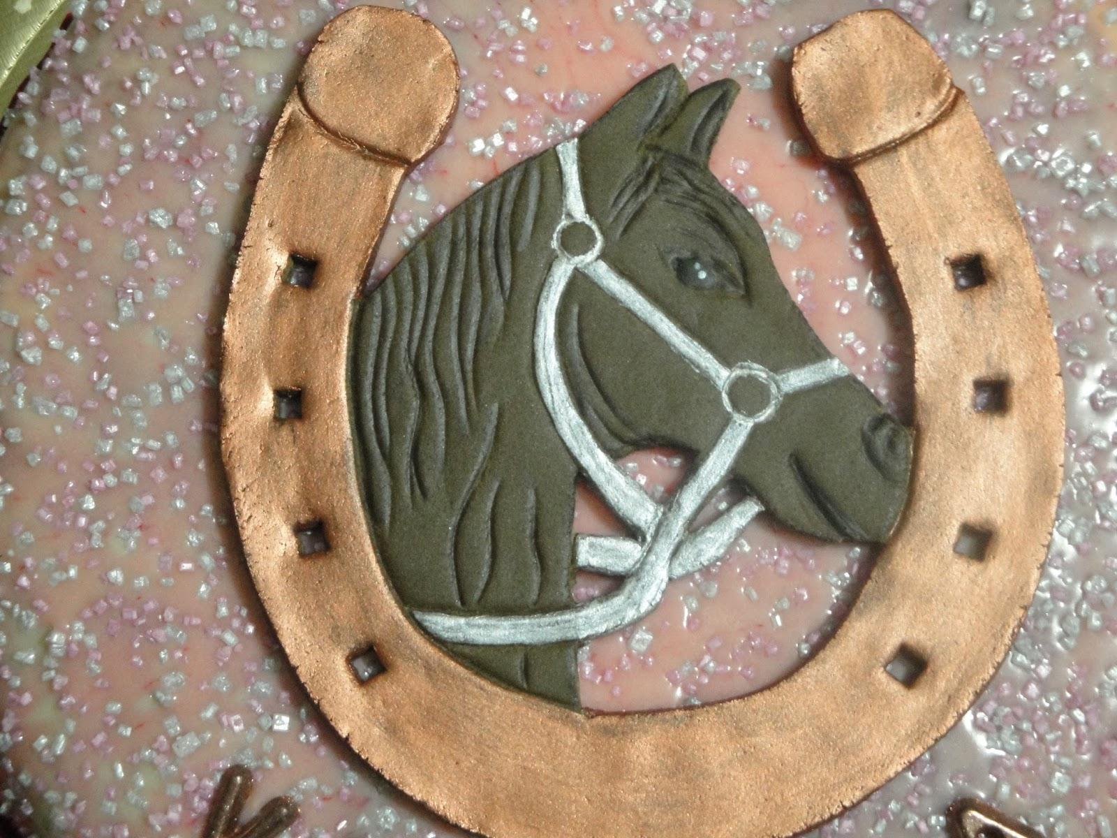 Arcobaleno di zucchero torta ferro di cavallo - Divano a ferro di cavallo ...