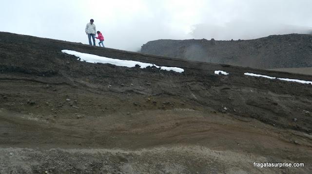 Depósito de cinzas e lava na encosta do Vulcão Cotopaxi, Equador