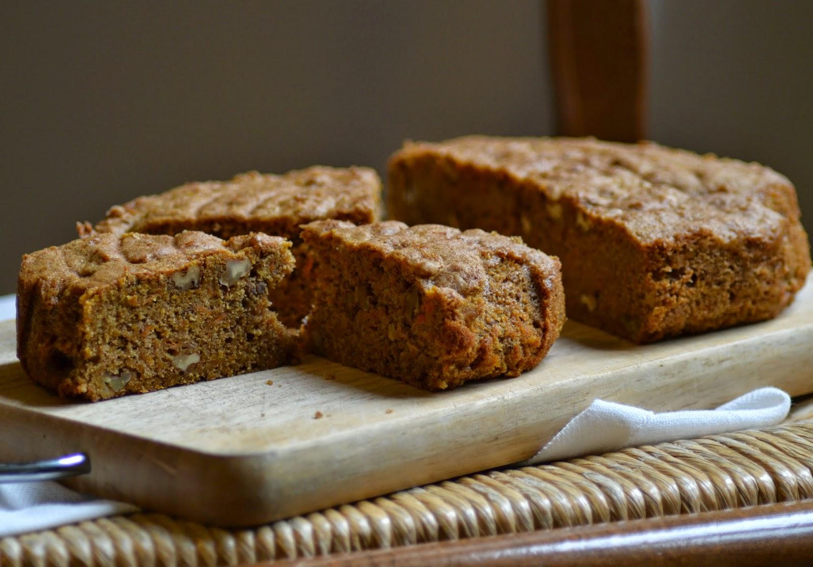 Makkelijk en lekker recept voor carrot cake of worteltjes taart. Gezien bij Heel Holland Bakt.