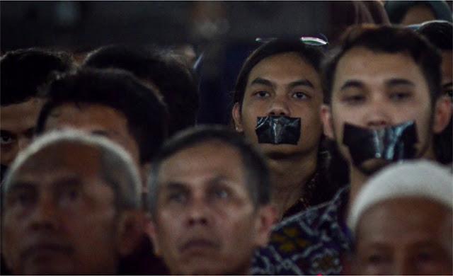 Aksi Tutup Mulut Warnai Orasi Ilmiah Wapres di Unisba