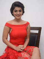 Yamini Bhaskar latest sizzling photos in red-cover-photo