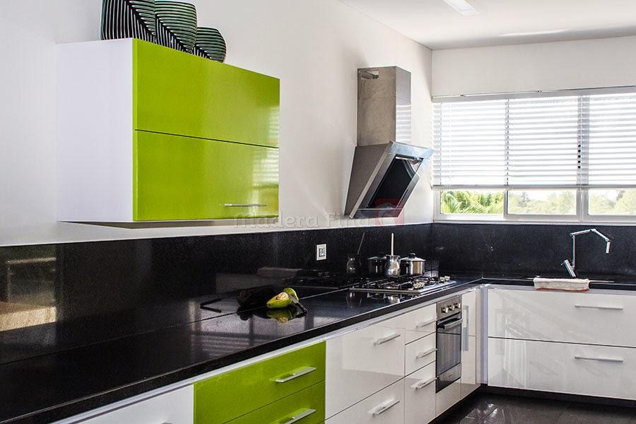 Cocina integral verde blanco en pereira dosquebradas for Cocinas integrales blancas modernas