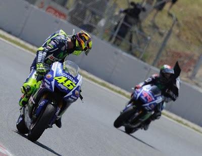 Baikan dengan Marquez, Kini Rossi Tunggu Disapa Lorenzo