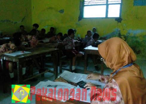 Sekolah Tergusur Jalan Tol Ratusan Siswa Kegiatan Belajar Mengajar di  Kantor Desa