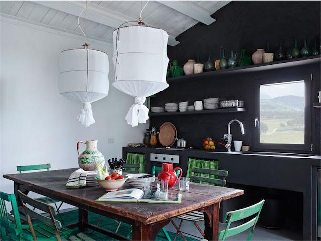 cocina con muebles de obra en negro chicanddeco