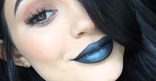 Yay or nay #1: metallic lips!