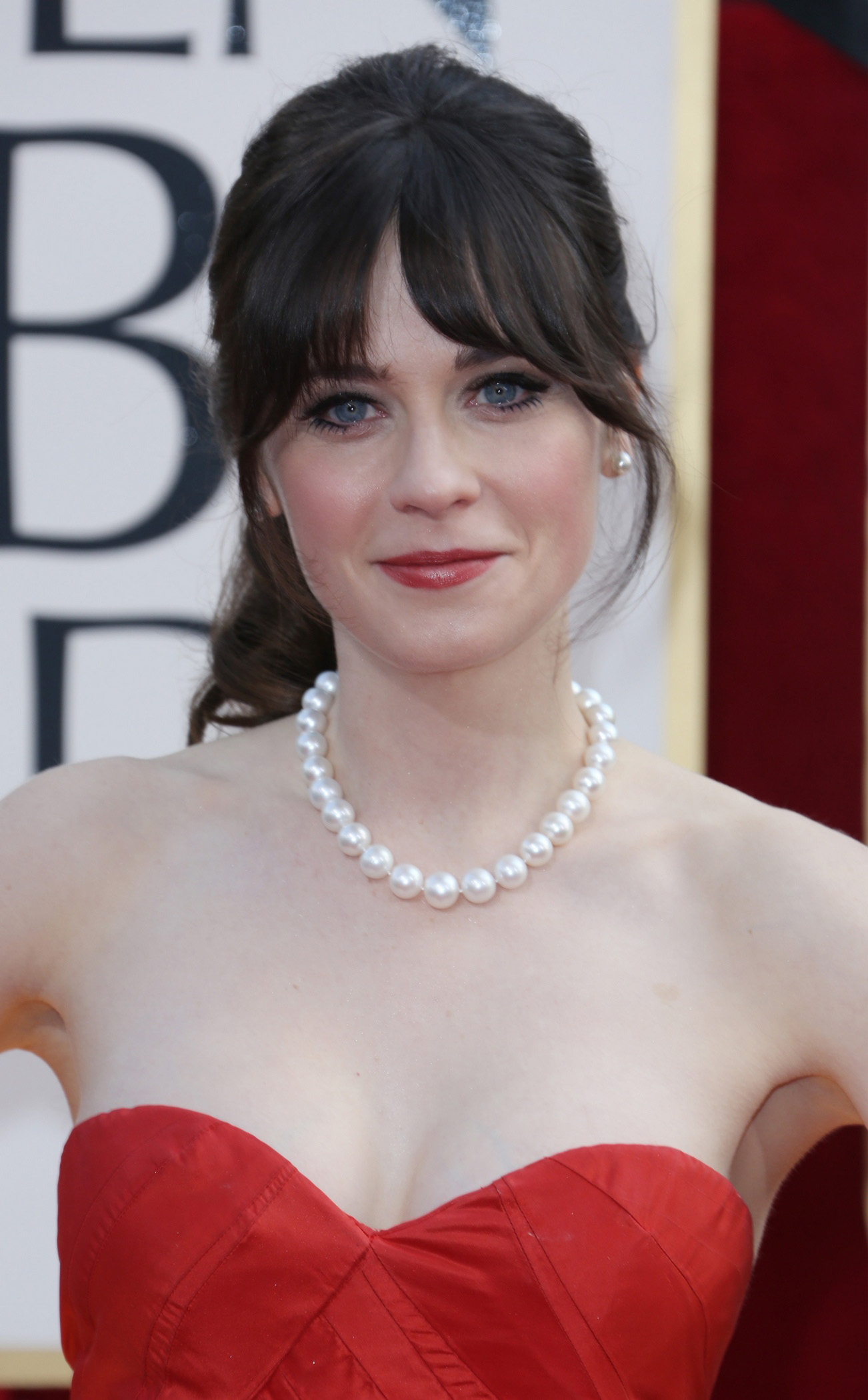 Zooey Deschanel Nude Photos 5