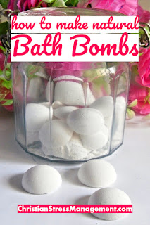 How to make natural bath bombs with essential oils
