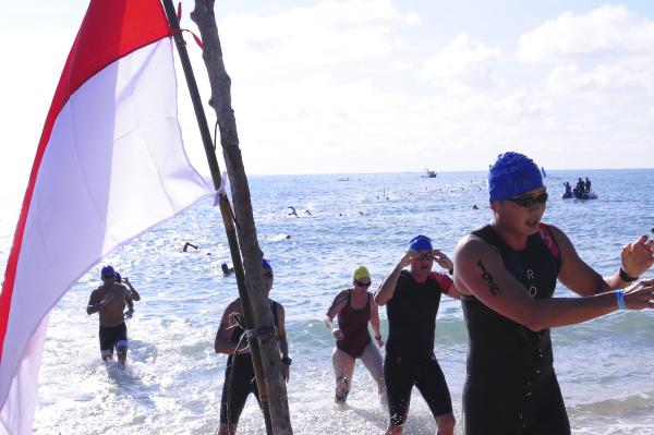 Kabupaten Bangka Promosikan Wisata Melalui Sungailiat Triathlon 2016