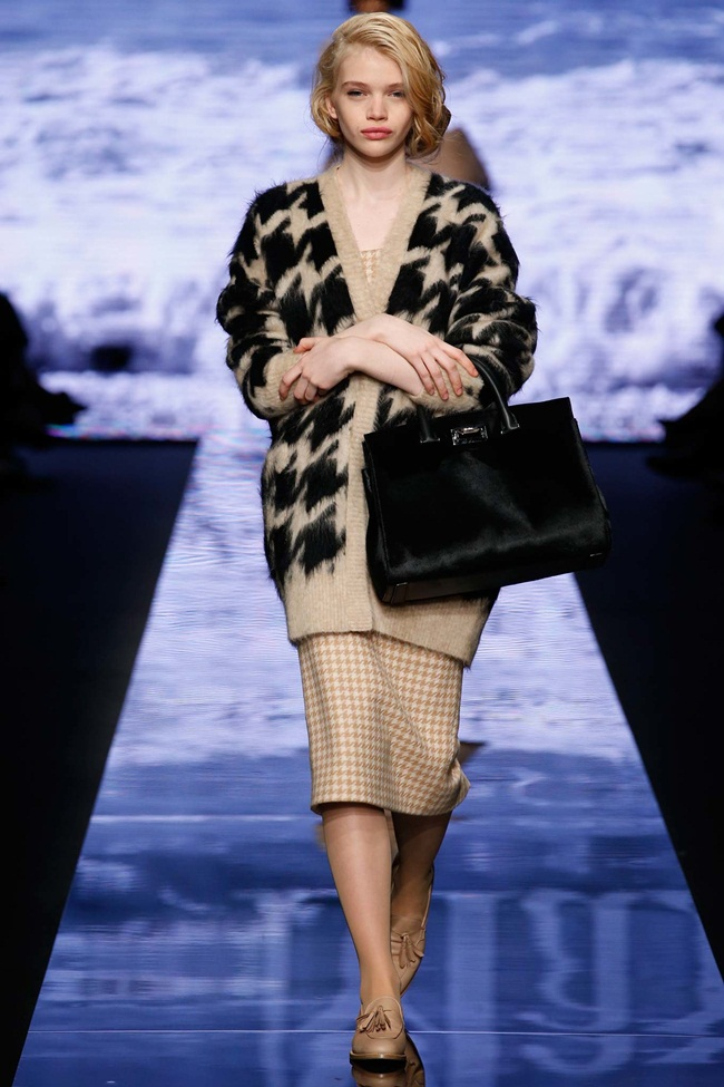 Max Mara 2015 AW Mohair Houndstooth Cardigan on Runway