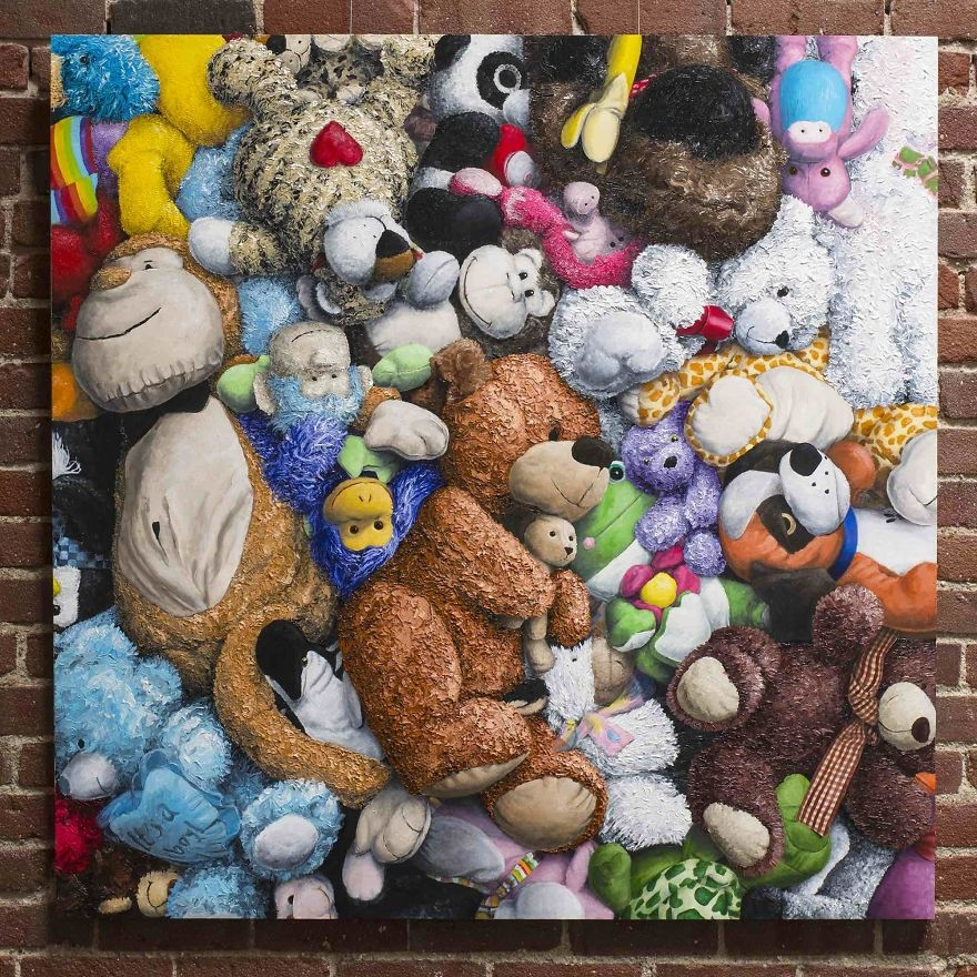 03-Lots-of-Stuffed-Toys-Brent-Estabrook-Realistic-Paintings-of-Stuffed-Animals-www-designstack-co