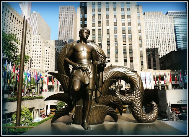 NY en 3 Días: Escultura Youth en el Rockefeller Center