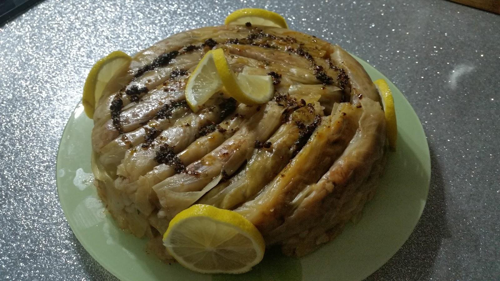 Et ve domates suyu ile haşlanmış lahana nasıl pişirilir