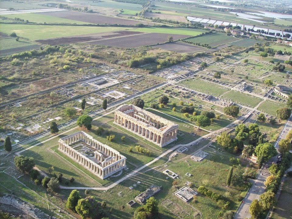 Arquitectura Griega en Paestum | Italia | Templos griegos de Hera y Atenea