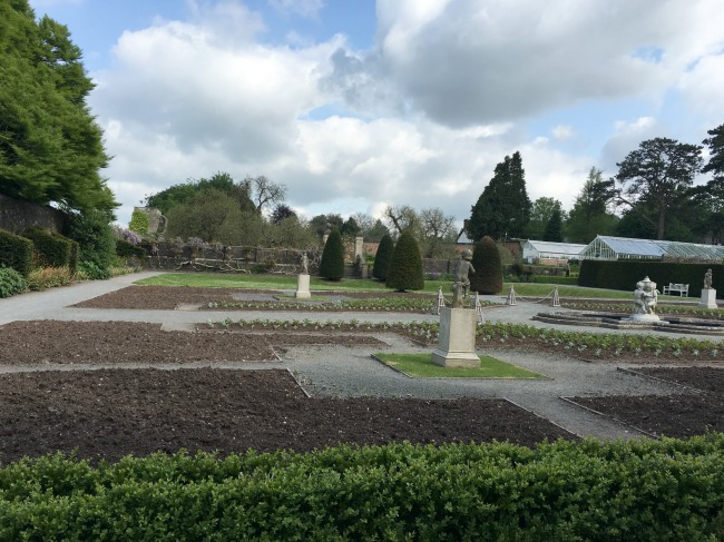 formal-gardens-St-Fagans-Castle