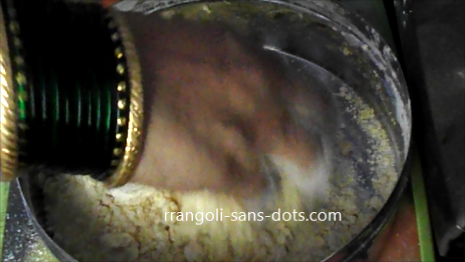 moong-dhal-laddu-1710ae.jpg
