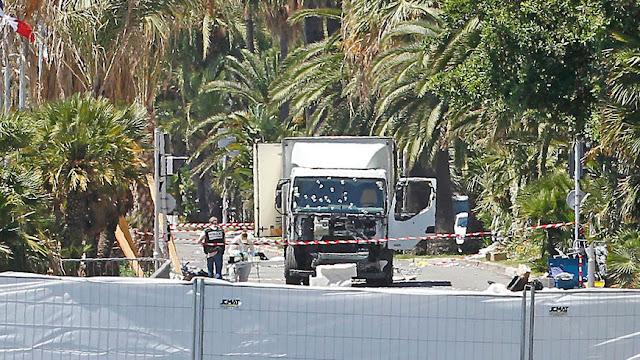 alalumieredunouveaumonde attentat de nice le camion n tait pas frigorifique et n avait pas. Black Bedroom Furniture Sets. Home Design Ideas