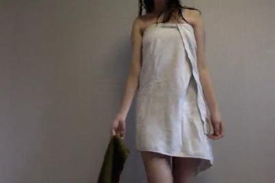 Abg Muda Habis Mandi Pake Handuk Malah Nari Didepan Kamera