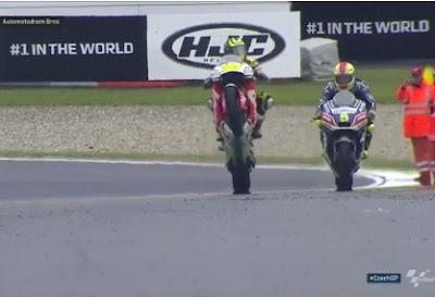 Crutchlow Menangi GP Ceko, Rossi Kedua, Lorenzo Over Lap