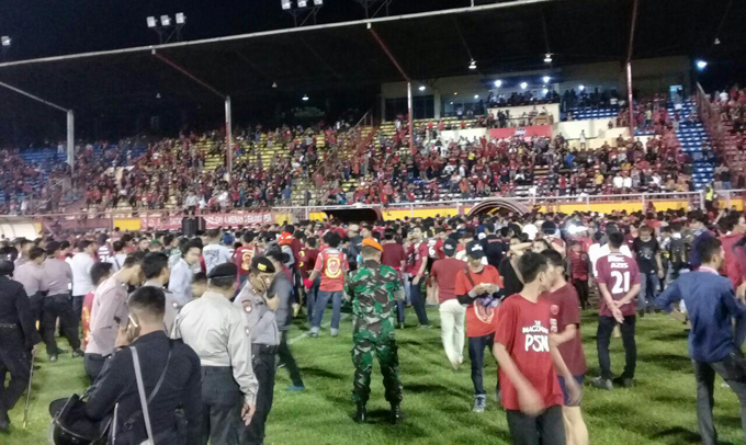 Video: Suporter Rusuh di Laga PSM Makassar Vs Bali United