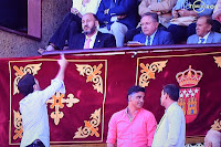 Presidente de Las Ventas señor Magán Alonso bilaketarekin bat datozen irudiak