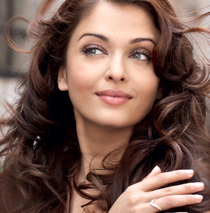 Aishwarya Rai HD Wallpaper Download