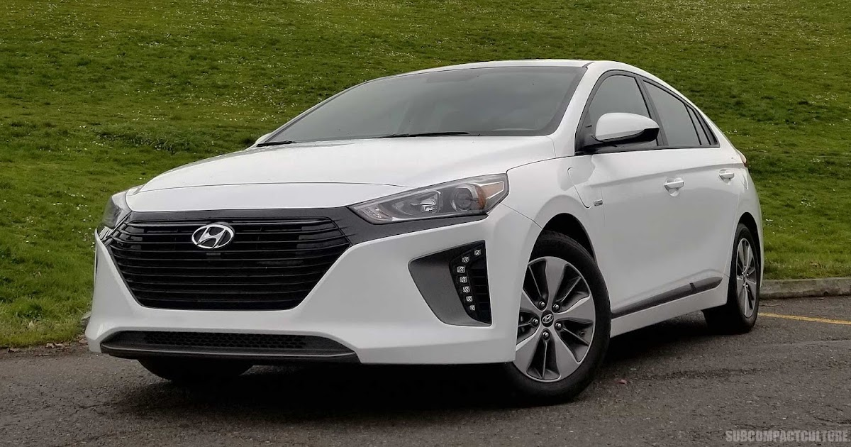 review 2018 hyundai ioniq plug in hybrid subcompact. Black Bedroom Furniture Sets. Home Design Ideas