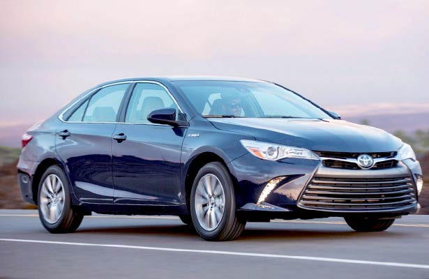 2018 toyota camry hybrid sedan review toyota camry review. Black Bedroom Furniture Sets. Home Design Ideas